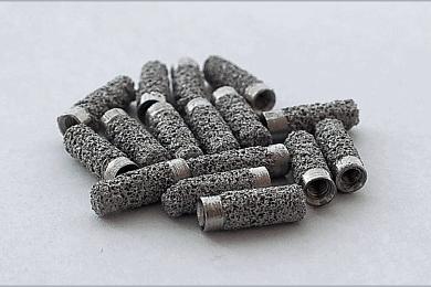 В ТГУ создан пористый материал для имплантов с лучшей приживаемостью