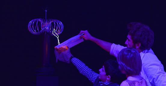 Новый год в «Изобретании»: новое интерактивно-познавательное шоу для детей