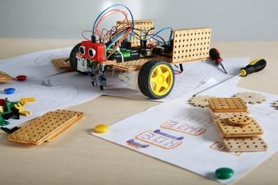 Студенты и школьники создадут роботов из тусуровского конструктора