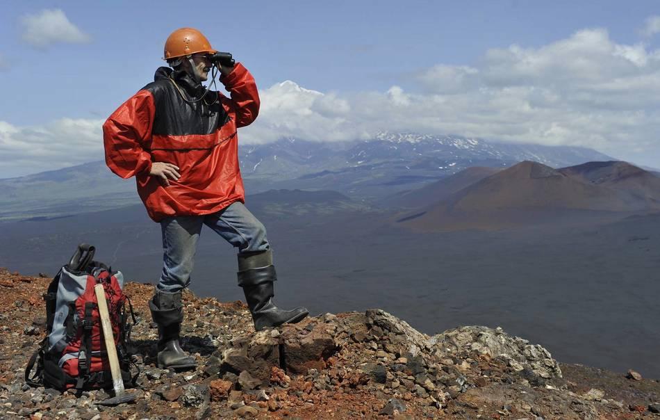 Российские ученые-вулканологи обнаружили на Камчатском полуострове около 10 новых видов минералов.