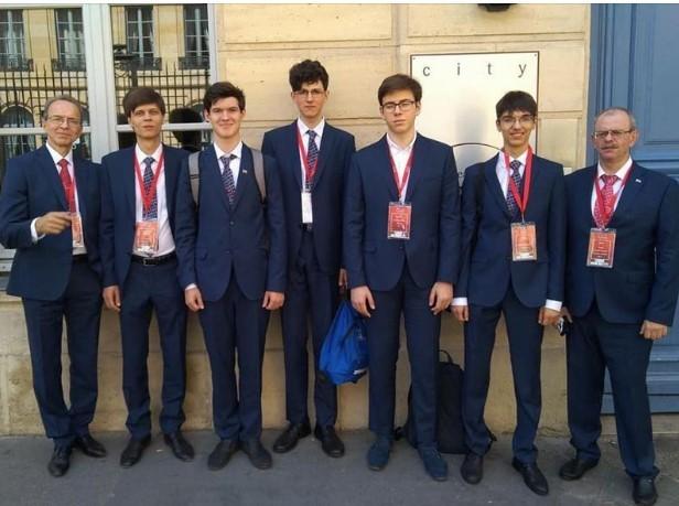 Поддержим олимпийскую команду России на 51-й Международной химической олимпиаде в Париже!